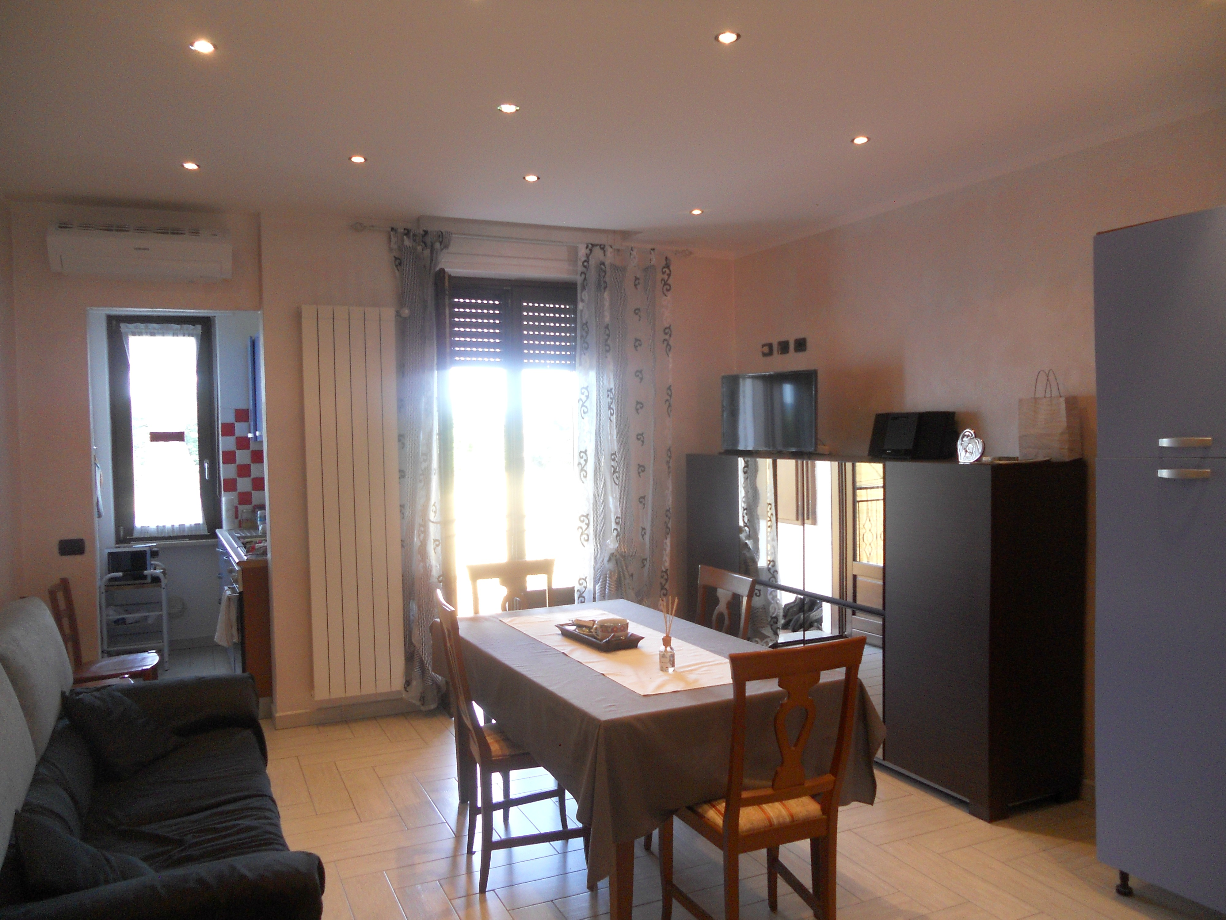 Beautiful cucine ambiente unico gallery home ideas - Idee cucina soggiorno ambiente unico ...